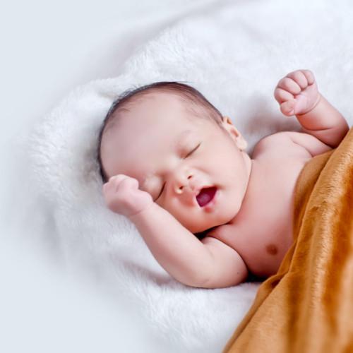 Materace dla noworodków - znajdziesz je na sleepinghouse.pl